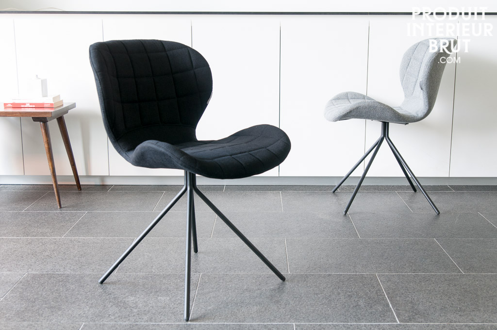 Chaise hetsik black chaise typique du mobilier scandinave for Chaise pliante scandinave